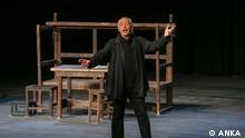 Der türkischer Schauspieler und Theatermacher Genco Erkal auf der Bühne. Kunst, Theater, Kritik, politisches Theatar Foto: ANKA (Agentur)