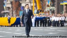 KIEV, UKRAINE - AUGUST 24: (----EDITORIAL USE ONLY MANDATORY CREDIT - UKRAINIAN PRESIDENCY/ HANDOUT - NO MARKETING NO ADVERTISING CAMPAIGNS - DISTRIBUTED AS A SERVICE TO CLIENTS----) Military parade held as part of the 30th anniversary of Ukraine's independence celebrations in Kiev, Ukraine, on August 24, 2021. Ukrainian President Volodymyr Zelensky and his wife Olena Zelenska also attended the event. Presidency of Ukraine/Handout / Anadolu Agency
