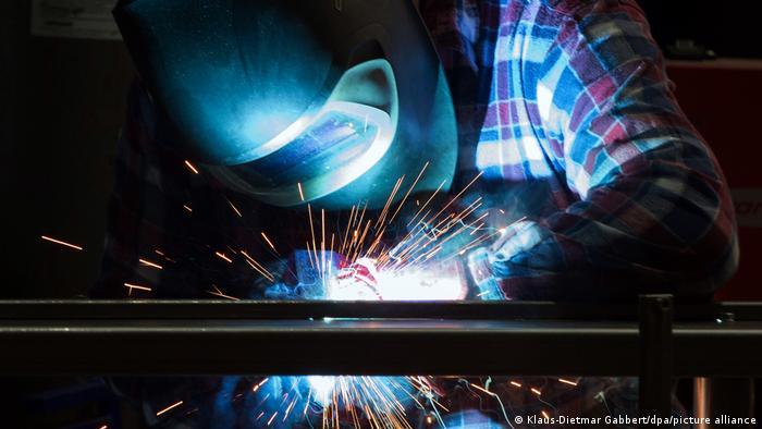 Symbolbild I Arbeitskräftemangel in Deutschland