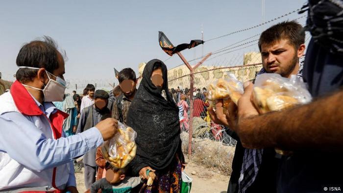 اخیرا مهدی محمودی، مدیرکل امور اتباع وزارت کشور یک بار دیگر تاکید کرد که ایران برای پذیرش مهاجران و آوارگان جدید اردوگاه فراهم نکرده است. به گفته او اصولا به نظر نمیرسد که فضای افغانستان طوری باشد که موج آوارگی و مهاجران جدید به سمت ایران حرکت کنند بنابراین نیازی به تمهیدات در اینباره وجود ندارد.
