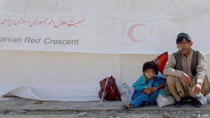 یک مقام ارشد ناتو که در افغانستان مستقر است روز چهارشنبه ۲۵ اوت (۳ شهریور) در گفتگو باخبرگزاری رویترز ازهمسایگان افغانستان خواست مرزها را باز کنند. او گفت: «ایران، پاکستان و تاجیکستان باید اجازه ورود افراد بیشتری را از طریق مرز زمینی یا هوایی بدهند.»