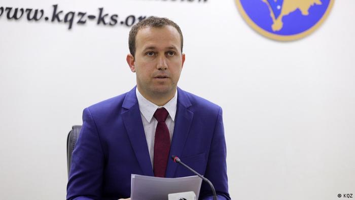 Valmir Elezi Sprecher der zentralen Wahlbehörde im Kosovo