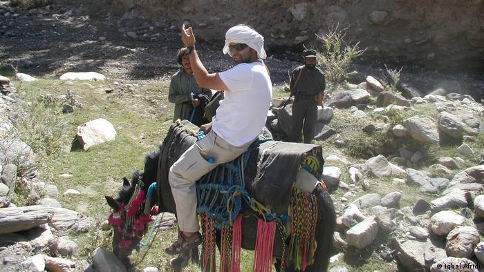 Lourival Sant'Anna em Tora Bora, no Afeganistão, em 2004