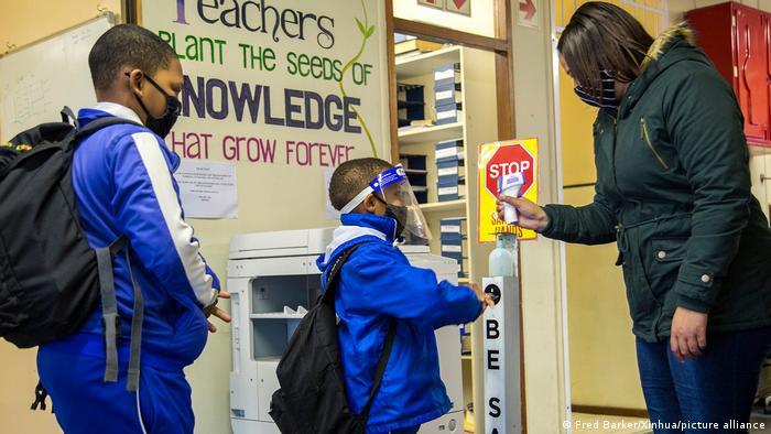 Schulbeginn Weltweit Südafrika
