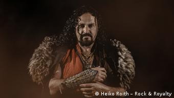 Вокалист группы Corvus Corax Карстен Лим