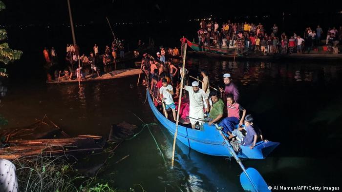 Bangladesh boat capsize