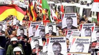 NPD Demonstration gegen NPD Verbot