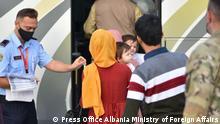 ***ACHTUNG: Pressebilder - nur zur freigegeben Berichterstattung verwenden!*** Albanien Flüchtlinge aus Afghanistan in Tirana via Ani Ruci Rechte: Press Office Albania Ministry of Foreign Affairs