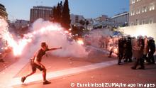 August 29, 2021, Athens, Greece: Riot police clash with anti-vaccine protesters at central Syntagma square. Police used tear gas to disperse thousands of protesters opposing government s plans for mandatory vaccination and new testing requirements and attendance restrictions on people who aren t vaccinated against COVID-19. Athens Greece - ZUMAe114 20210829_zaa_e114_004 Copyright: xEurokinissix