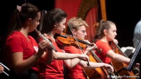 Musikerinnen und Musiker des Campus-Projektes bei der Probe