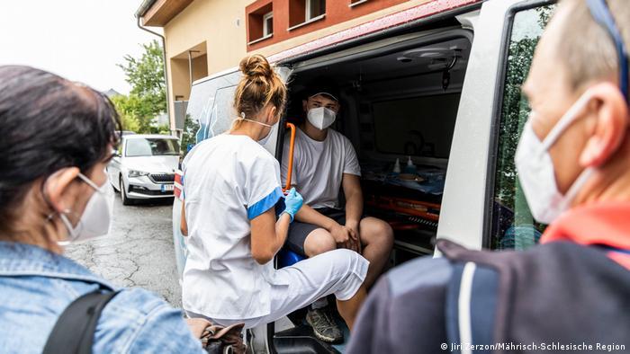 Мобилен ваксинационен екип в Чехия