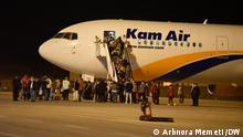 Die erste Flüchtlingsgruppe aus Afghanistan trifft in Skopje, Nordmazedonien, ein. Skopje, Nordmazedonien 30.08.2021 Arbnora Memeti