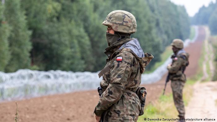 حرس الحدود البولنديين قرب الحدود مع بيلاروس