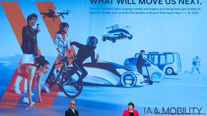 Auftakt-Pressekonferenz von VDA-Chefin Hildegard Müller und Klaus Dittrich, Chef der Messe München