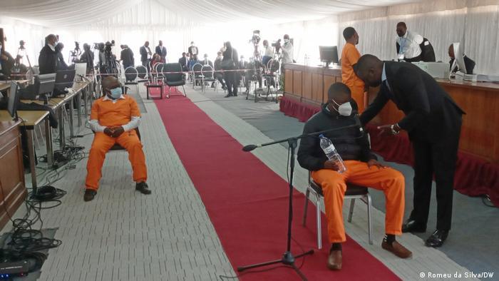 Ndambi Guebuza e o seu advogado, Isálcio Mahanjane