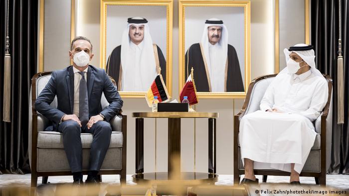 Heiko Maas i katarski ministar vanjskih poslova šeik Mohamed bin Abdulrahman bin Jasim Al-Thani na razgovorima u Dohi 31.8.2021.
