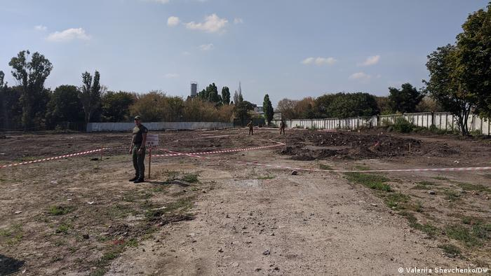 Зона проведення пошукових робіт на місці масового поховання в Одесі