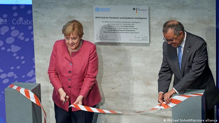 Канцлерка ФРН і гендиректор ВООЗ на відкритті Центру з попередження пандемій та епідемій в Берліні