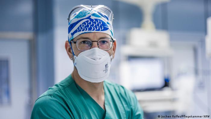 Bielefeld asistentul medical de terapie intensivă Ralf Berning