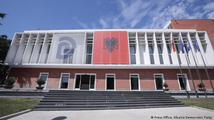 Albanien Zentrale Demokratische Partei Tirana