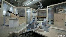 ***ACHTUNG: Bild nur im Kontext von Projekt Zukunft verwenden!*** via Rene Wilbrandt Cobots / WDR Eine neue Generation lernender Roboter werden jetzt auch im traditionellen Handwerk eingesetzt.