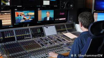 O Κρίστιαν Λίντνερ στο στούντιο της DW στο Βερολίνο