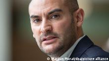 Danyal Bayaz (Bündnis 90/Die Grünen), Finanzminister von Baden-Württemberg, steht im Foyer des Landtags von Baden-Württemberg. (Zu dpa «Harte Kritik aus Südwest-CDU an Meldeplattform gegen Steuerbetrug») +++ dpa-Bildfunk +++