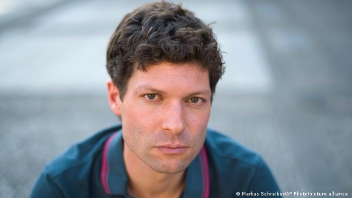 Ronen Steinke