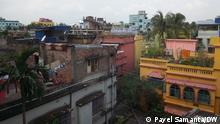 2021***Ein UN-Gremium hat festgestellt, dass die rasche Verstädterung in Kolkata in den letzten Jahrzehnten zu einem Anstieg der Temperatur in der Stadt geführt hat. Die Überbauung von Feuchtgebieten und überfüllte Ortschaften in Kolkata werden als Bedrohung für die Umwelt angesehen.