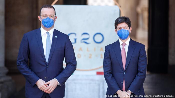 Almanya Sağlık Bakanı Jens Spahn ve İtalya Sağlık Bakanı Roberto Speranza