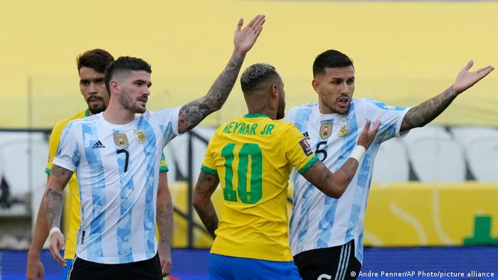 Das Spiel zwischen Brasilien und Argentinien in Sao Paolo wurde unterbrochen