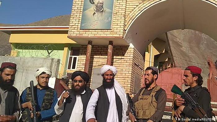 Pencşir'in merkezini ele geçiren Taliban güçleri