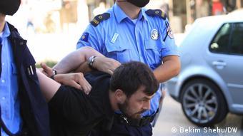 Policia e Kosovës arreston protestuesit
