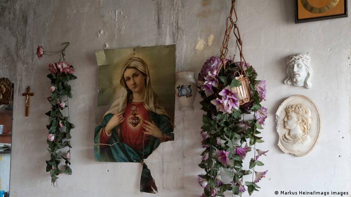 Вярата крепи някои от ромите в Луник IX