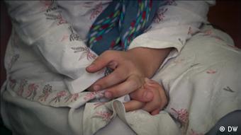 Εγκαταλείποντας το Αφγανιστάν με 4 κόρες