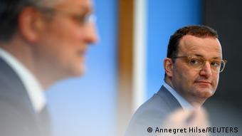 Deutschland PK Jens Spahn und Lothar Wieler in Berlin