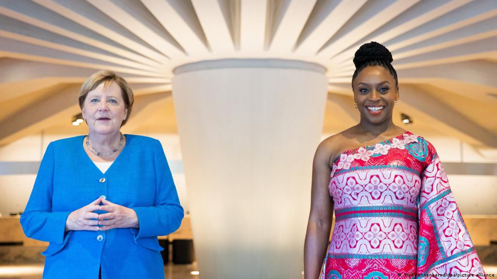 Angela Merkel and Chimamanda Ngozi Adichie in conversation   Culture    Arts, music and lifestyle reporting from Germany   DW   09.09.2021