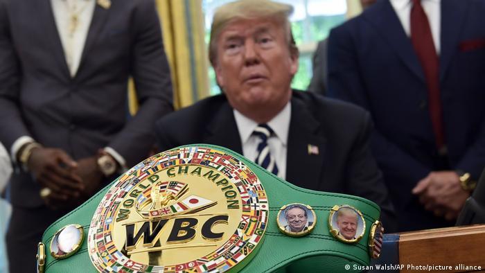 """拳击迷特朗普(2018年白宫):""""我喜欢伟大的战斗"""""""