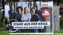 Wahlplakate - Bundestagswahl 2021 am 01.09.2021 in Bochum Ein Wahlplakat der CDU ( Christlich Demokratische Union Deutschlands ) mit der Aufschrift: Stark aus der Krise. Können wir, machen wir. Die Bundestagswahl 2021 wird die Wahl zum 20. Deutschen Bundestag. Sie wird am 26. September 2021 stattfinden. Foto: Revierfoto