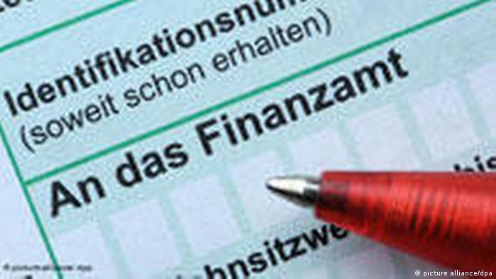 Symbolbild Steuern Finanzamt Steuerreform (picture alliance/dpa)