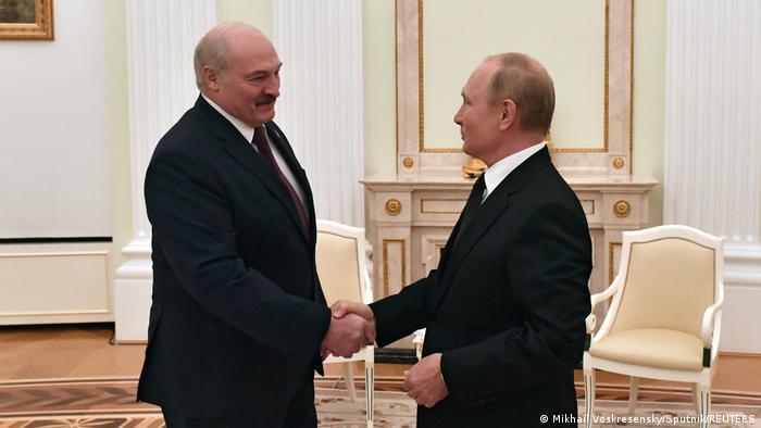 Президент России Владимир Путин и правитель Беларуси Александр Лукашенко в Кремле 9 сентября 2021 года
