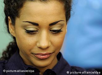 Nadja Benaissa, mahkemede ifade verirken, gözyaşlarına hakim olamadı