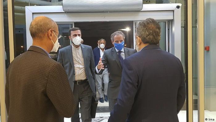 استقبال از رافائل گروسی در فرودگاه خمینی، ۱۲ سپتامبر ۲۰۲۱