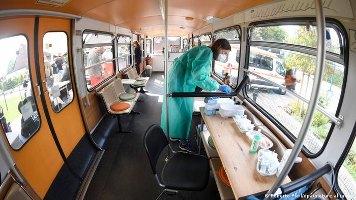 A mobile vaccination center gives citizens the chance to get vaccinated on the spot