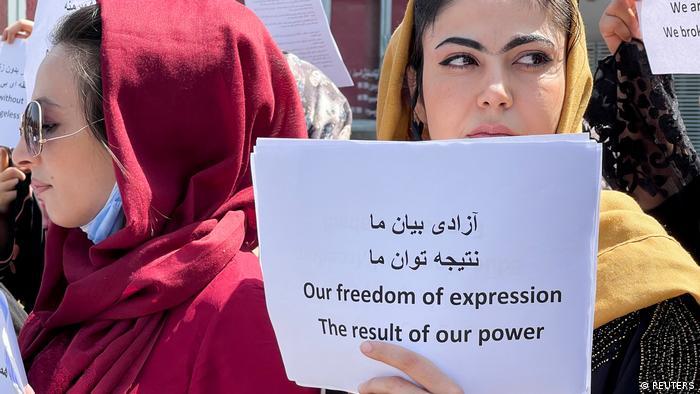 از زمان قدرتگیری طالبان در افغانستان این کشور شاهد اعتراضات مردمی به ویژه اعتراضات زنان بوده است که از جمله خواهان آزادی و برخورداری از حق تحصیل و اشتغال هستند. این اعتراضات با برخورد خشونتآمیز نیروهای طالبان همراه بوده است.