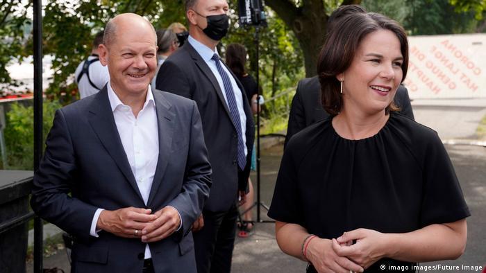 Deutschland Potsdam |Olaf Scholz (SPD) & Annalena Baerbock (Die Grünen)