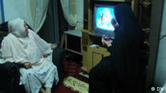 Cairo,17-8-2010,Nelly Ezzat,egyptian family gather to watch egyptian drama series after the Iftar