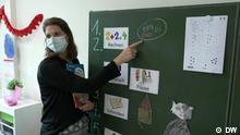 Lehrerin Isabel Kroll beim Unterricht. 13.09.21 ***Nur zur Verwendung im Zusammenhang mit dem DW Beitrag***