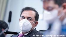 Marcos Tolentino, einem brasilianischen Geschäftsmann und Anwalt, der von einem Senatsausschuss wegen Regierungsentscheidungen im Zusammenhang mit der Pandemie Das Foto stammt vom brasilianischen Senat und kann frei verwendet werden: https://www12.senado.leg.br/fotos/fotodestaque/?id-51474938006 Via Bruno Lupion