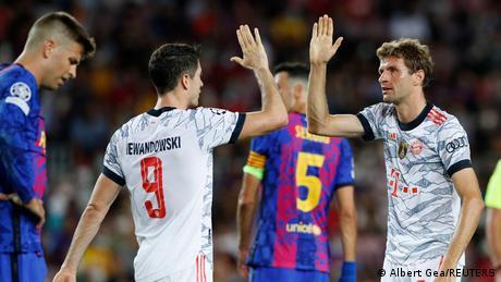 Champions League: Bayern Munich ease to win in Barcelona